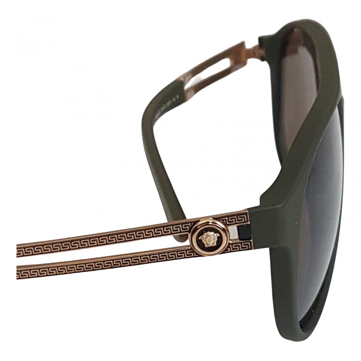Versace \N Sonnenbrillen in  Khaki Kunststoff