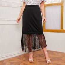 Falda bajo con encaje en contraste - grande