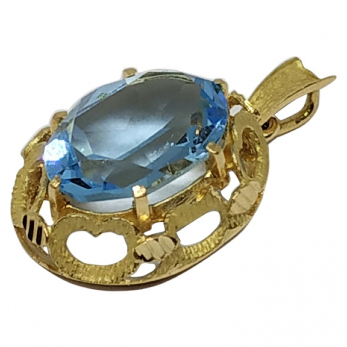 Non Signé / Unsigned Aigues-Marines Yellow Yellow gold pendant for Women \N