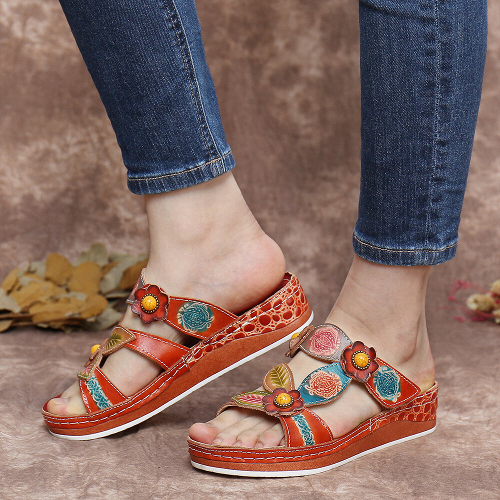 SOCOFY Retro Leather Floral Stitching Printed Slip-On Slides Flat Sandals