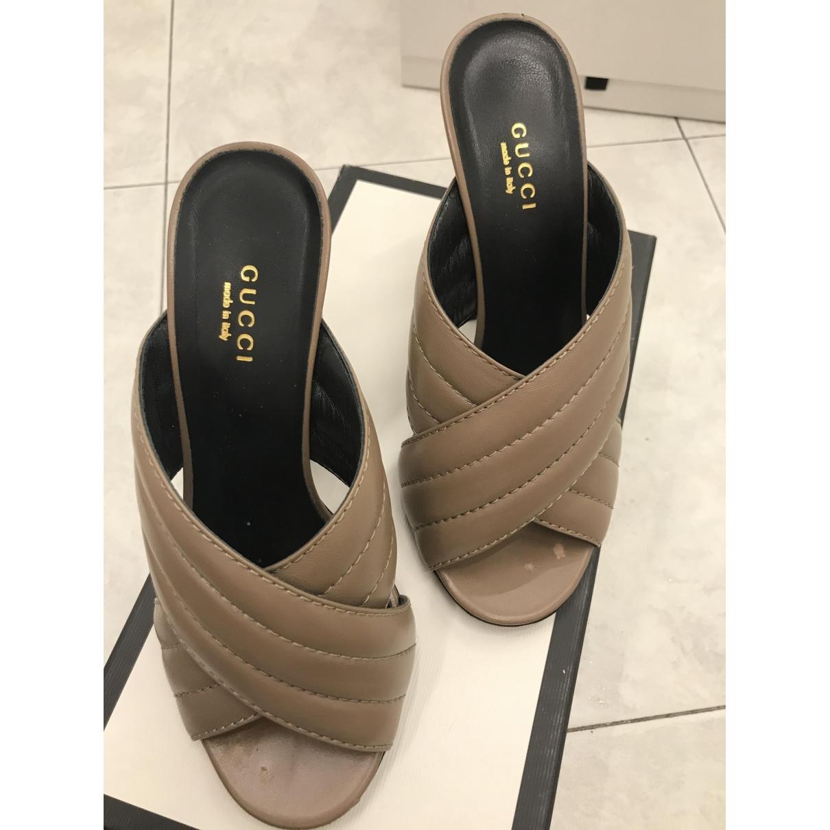 Gucci \N Sandalen in  Beige Leder