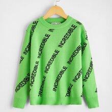 Pullover mit Buchstaben Muster und sehr tief angesetzter Schulterpartie