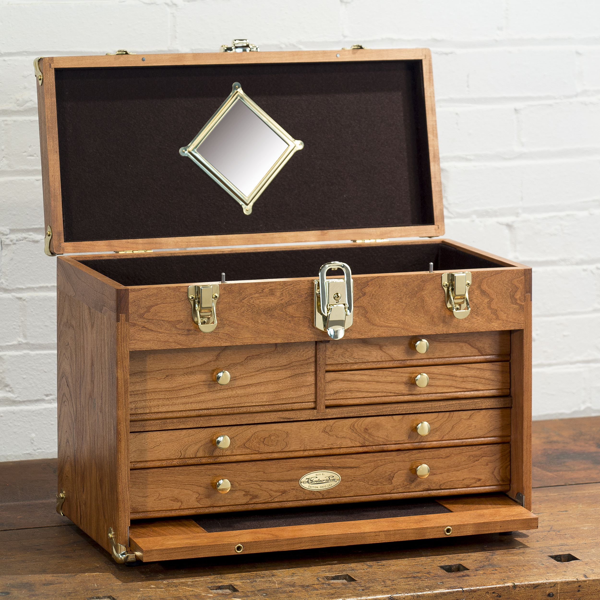 C1805 American Cherry Special Chest