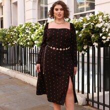 Kleid mit Punkten Muster, Puffaermeln und Schlitz ohne Guertel