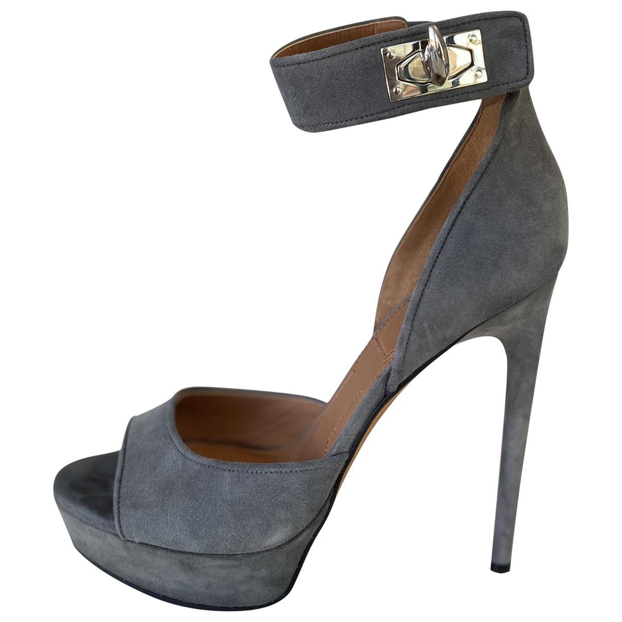 Givenchy \N Grey Suede Heels for Women 38 EU