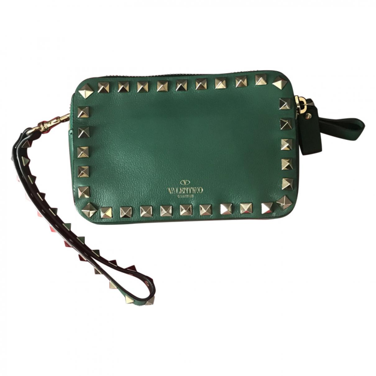 Valentino Garavani Rockstud Handtasche in  Gruen Leder