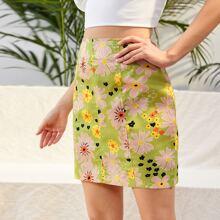 Allover Floral Print Zip Back Straight Skirt