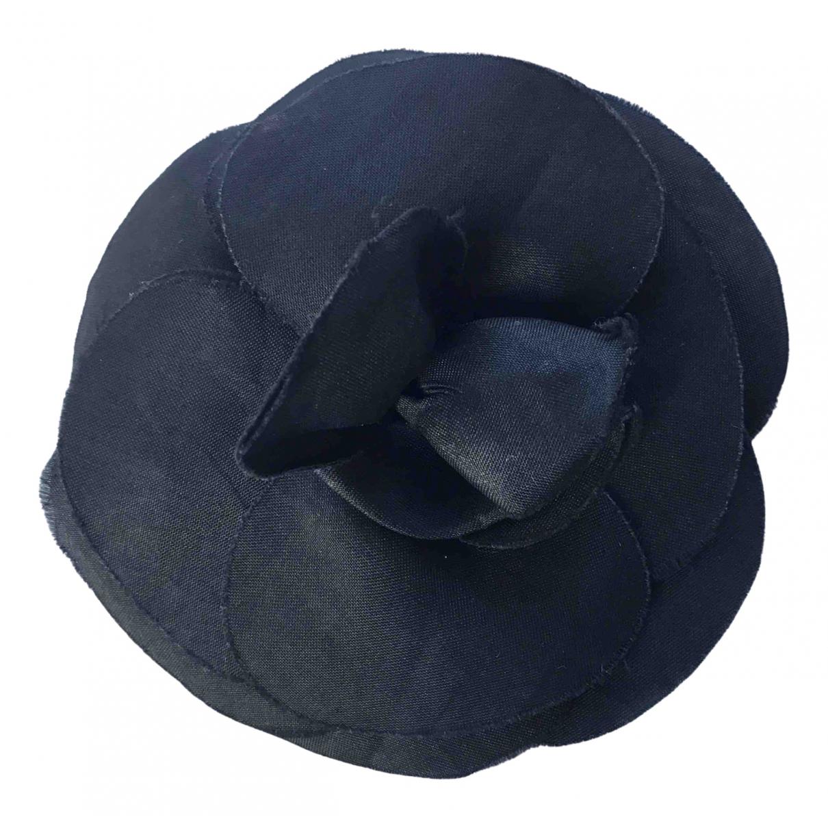 Chanel - Broche Camelia pour femme en soie - noir