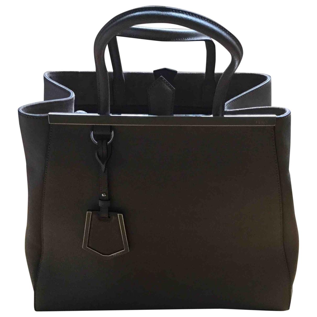 Fendi 2Jours Beige Leather handbag for Women \N