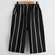 Shorts mit Streifen und elastischer Taille