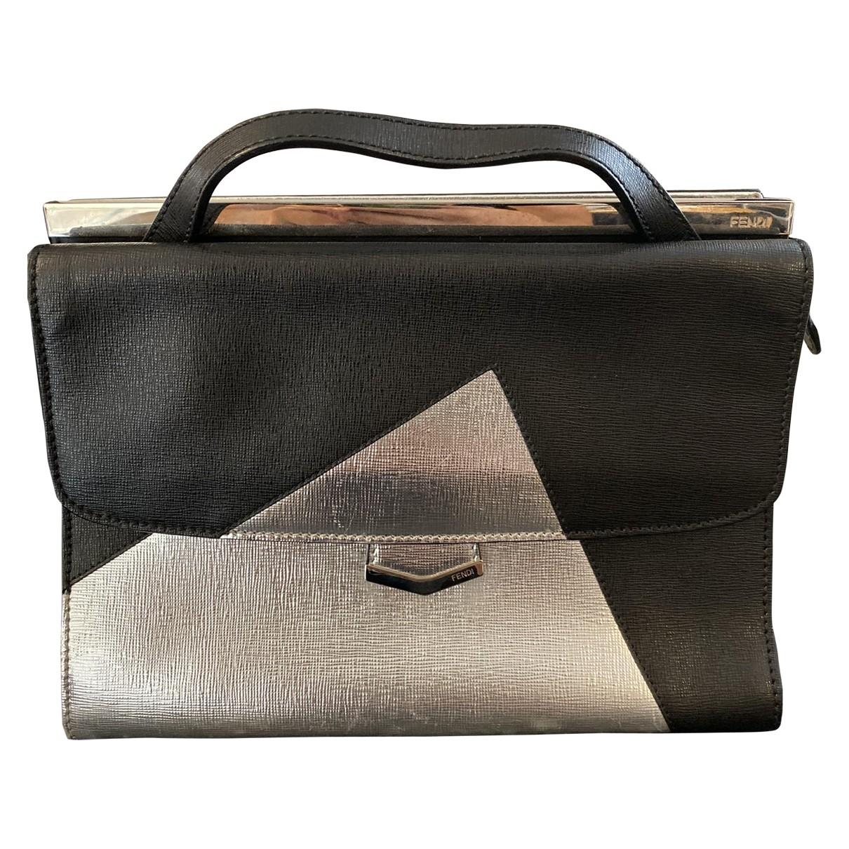 Fendi By The Way  Handtasche in  Schwarz Leder