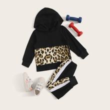Kleinkind Maedchen Kapuzenpullover mit Kontrast Leopard Muster und Jogginghose