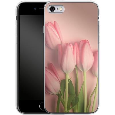 Apple iPhone 6 Silikon Handyhuelle - Pink Tulips von Joy StClaire