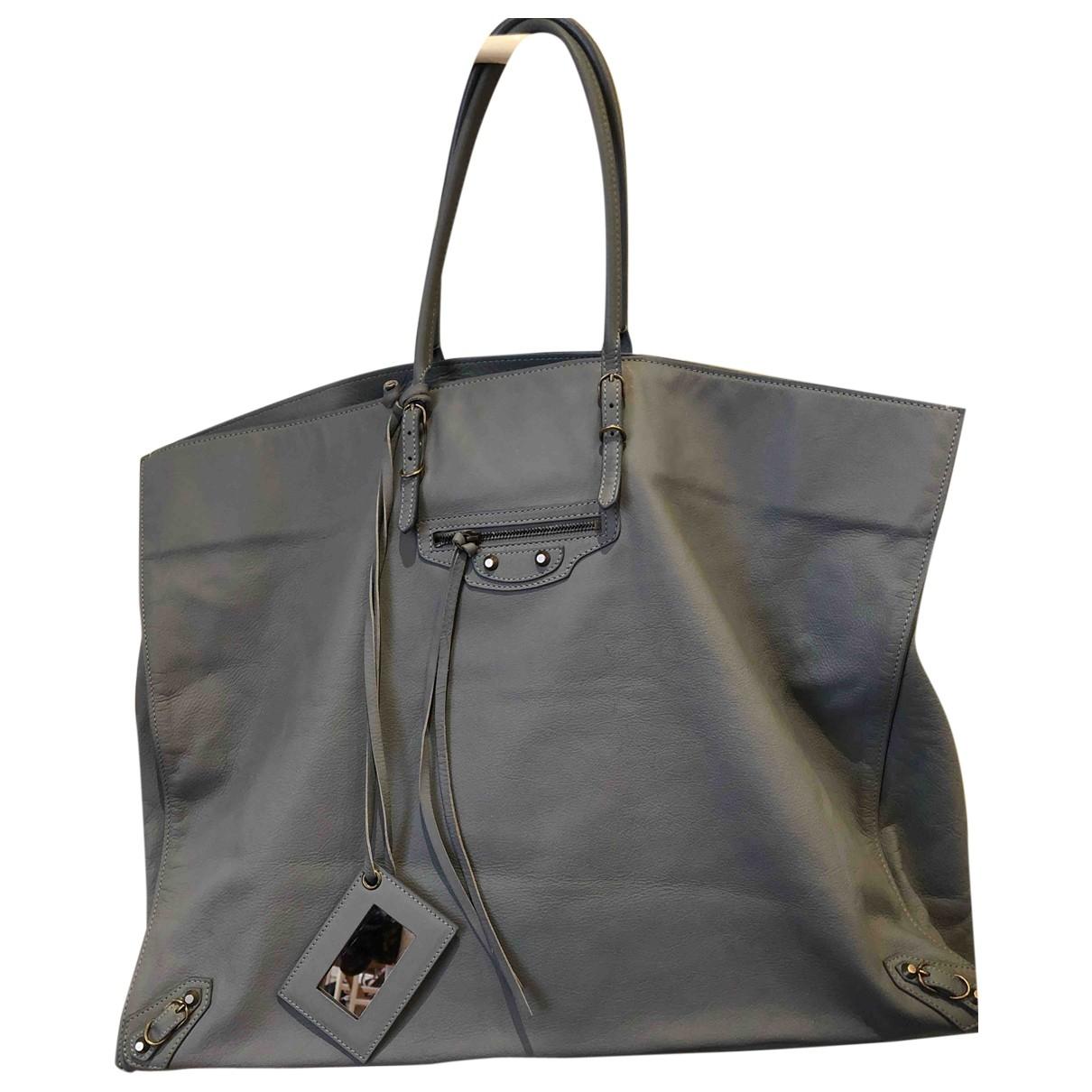 Balenciaga Papier Handtasche in Leder