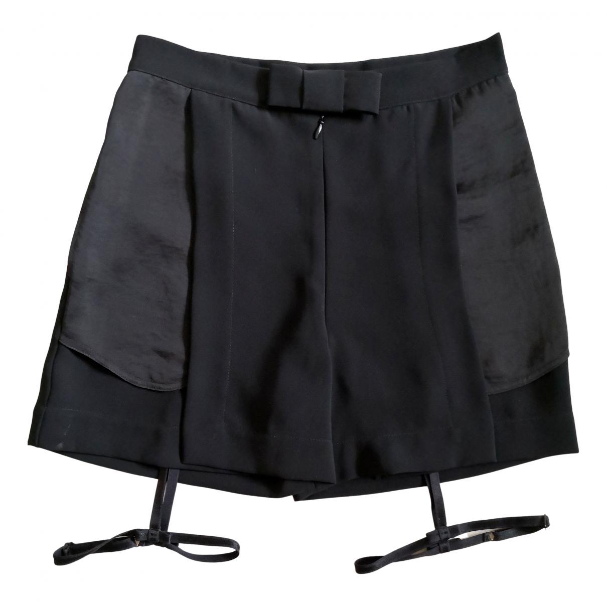 Non Signe / Unsigned \N Shorts in  Schwarz Viskose