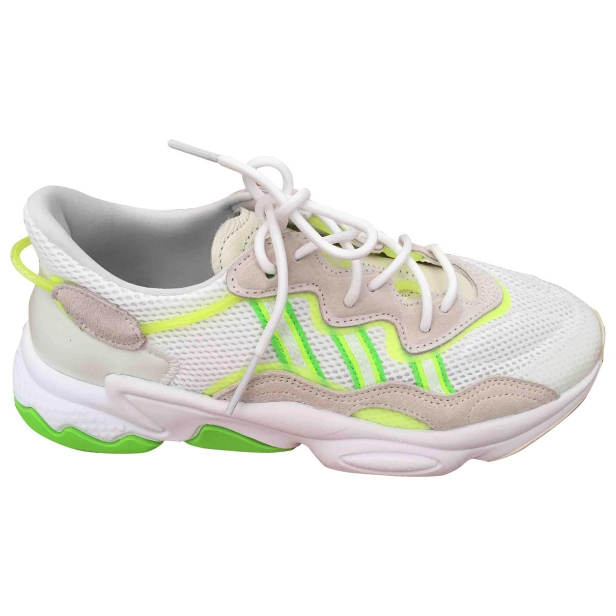 Adidas - Baskets Ozweego pour femme - blanc