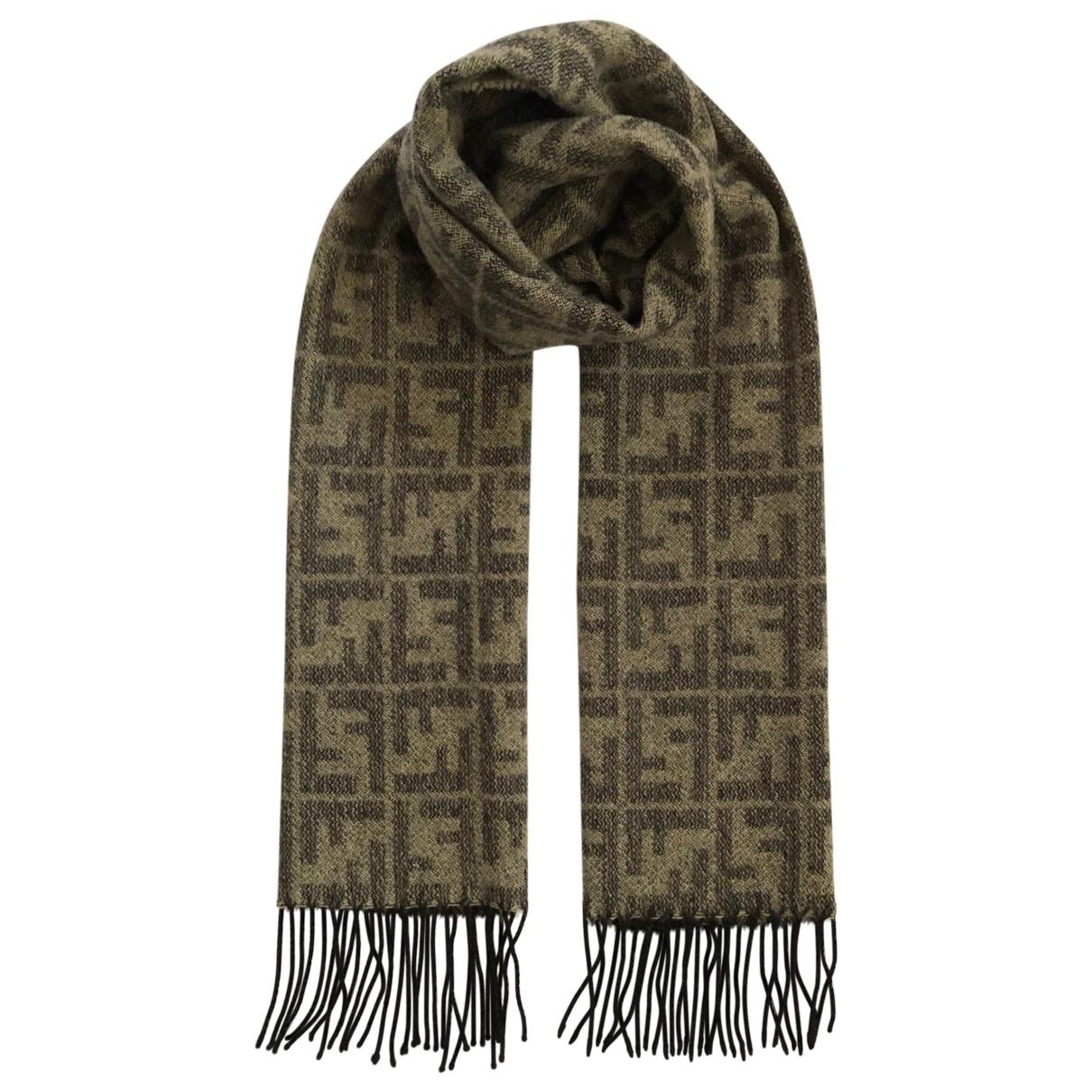 Fendi \N Schal in  Grau Wolle