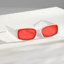 Maenner Sonnenbrille mit rechteckigem Rahmen und getonten Linse