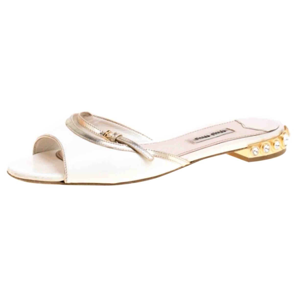 Miu Miu - Sandales   pour femme en cuir verni - blanc