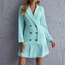 Blazer Kleid mit zweireihigen Knopfen und Rueschenbesatz