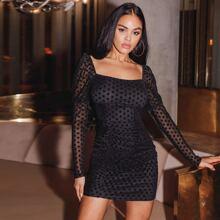 Kleid mit Punkten Muster und Netzstoff