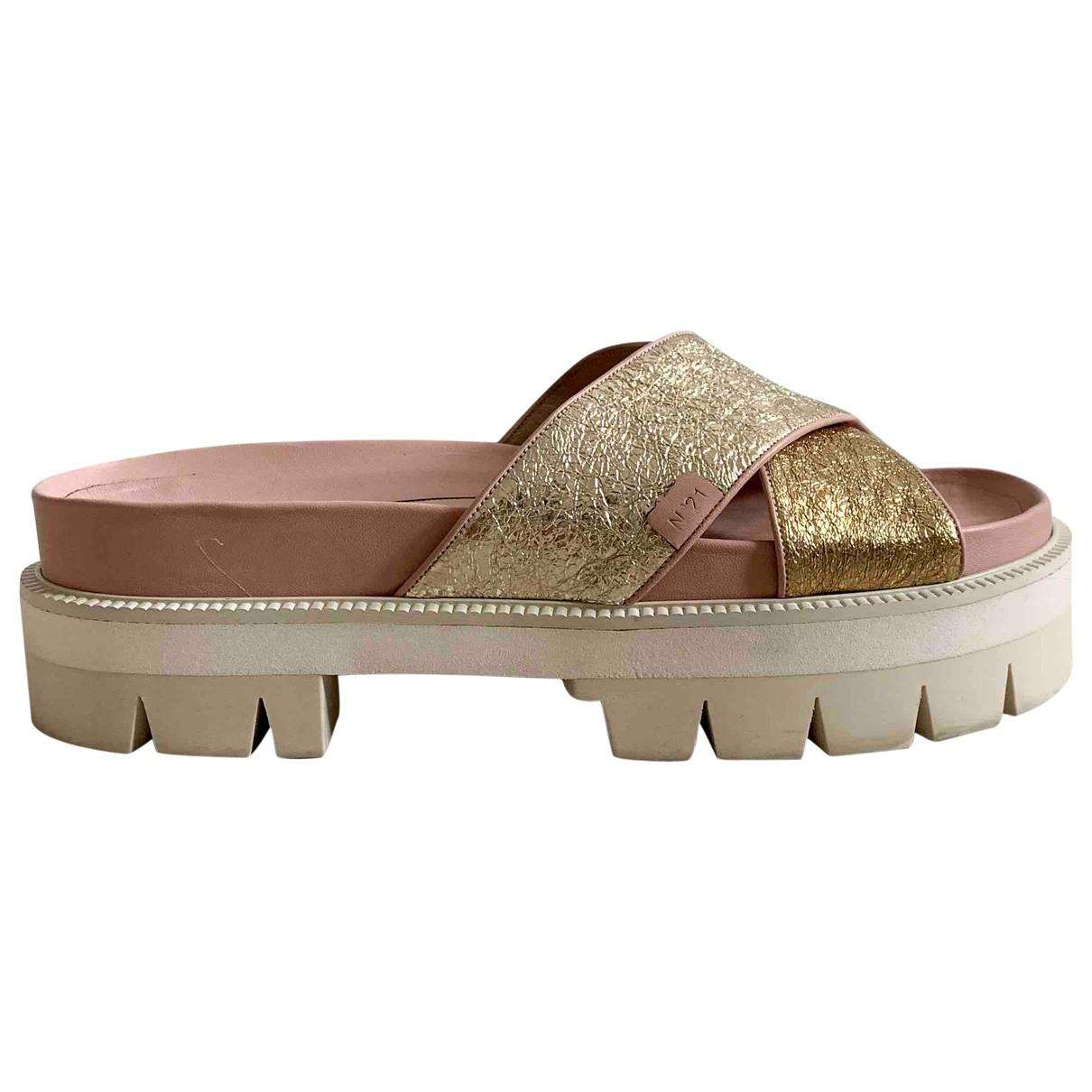 N°21 - Sandales   pour femme en cuir - multicolore