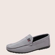 Slip On Loafers mit Metall Buchstaben Dekor