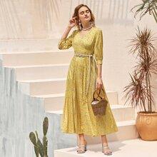 Kleid mit V Ausschnitt, Muster ohne Guertel