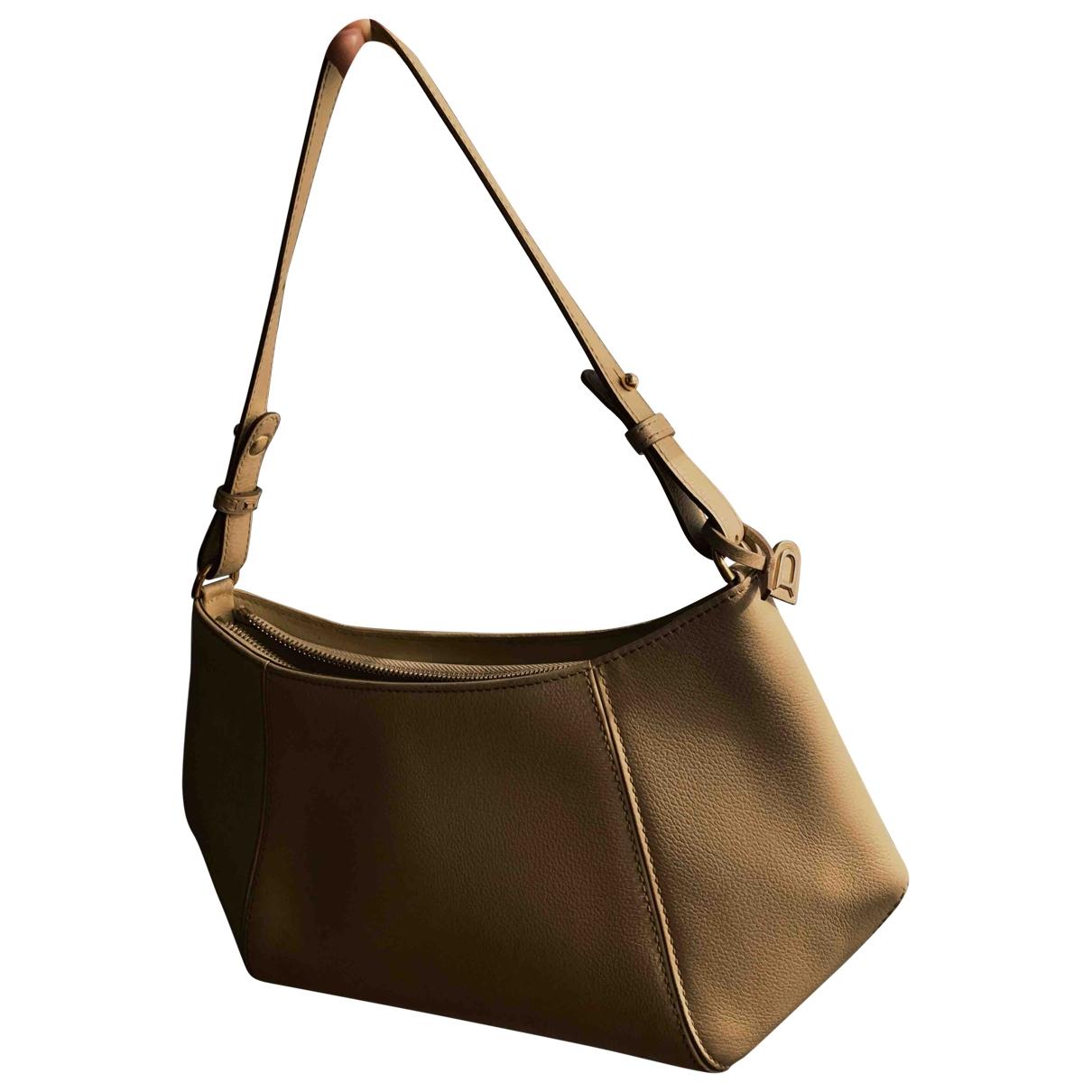 Delvaux \N Beige Leather handbag for Women \N