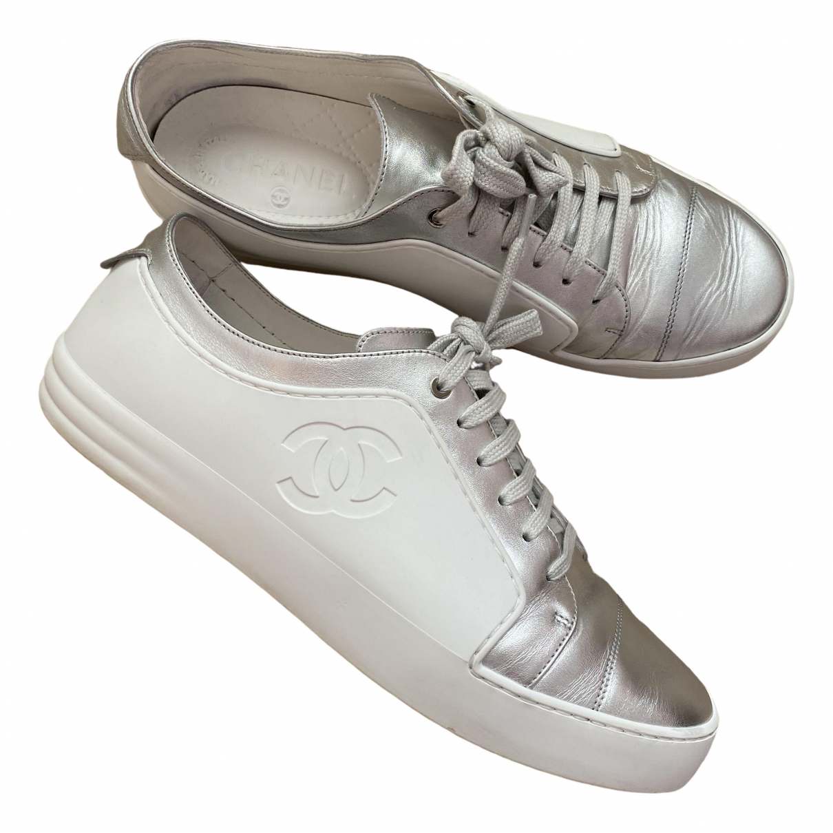 Chanel \N Sneakers in  Weiss Leder
