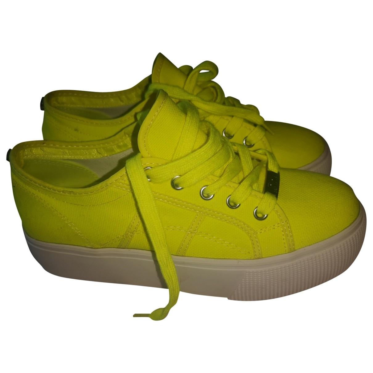 Steve Madden \N Sneakers in  Gelb Leinen