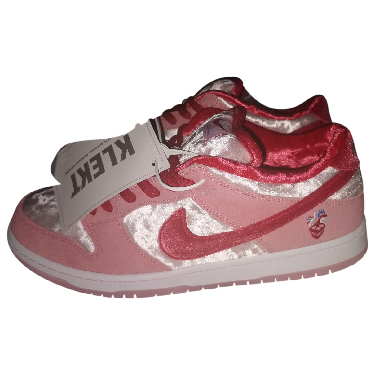 Nike SB Dunk  Pink Suede Trainers for Men 45.5 EU
