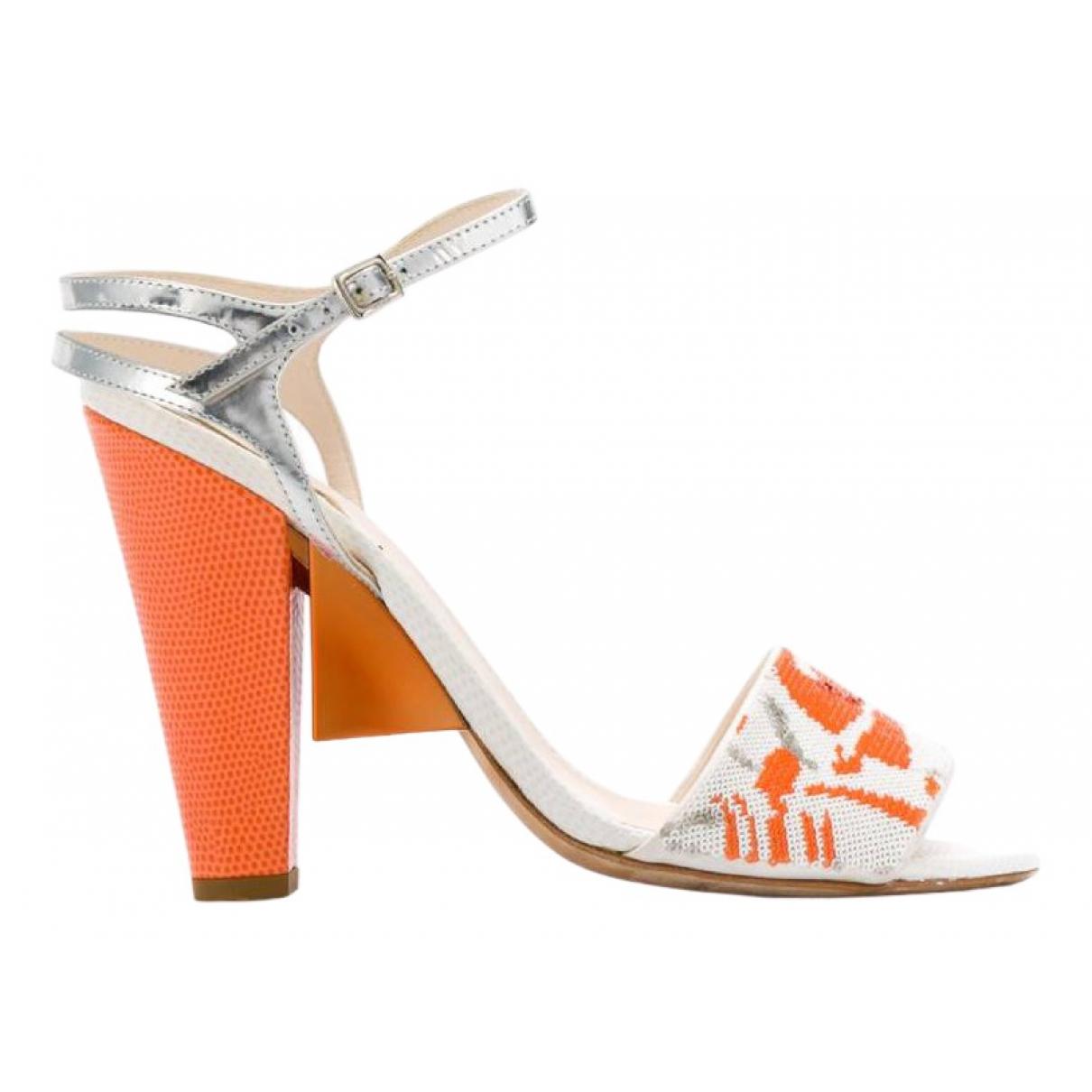 Fendi \N Sandalen in  Orange Mit Pailletten