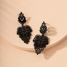 Hollow Out Vintage Drop Earrings