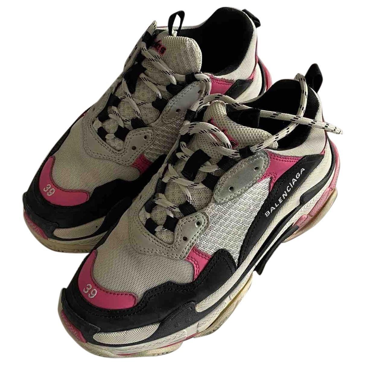 Balenciaga Triple S Sneakers in  Bunt Leinen