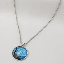 Halskette mit Sternhimmel Muster und rundem Anhaenger