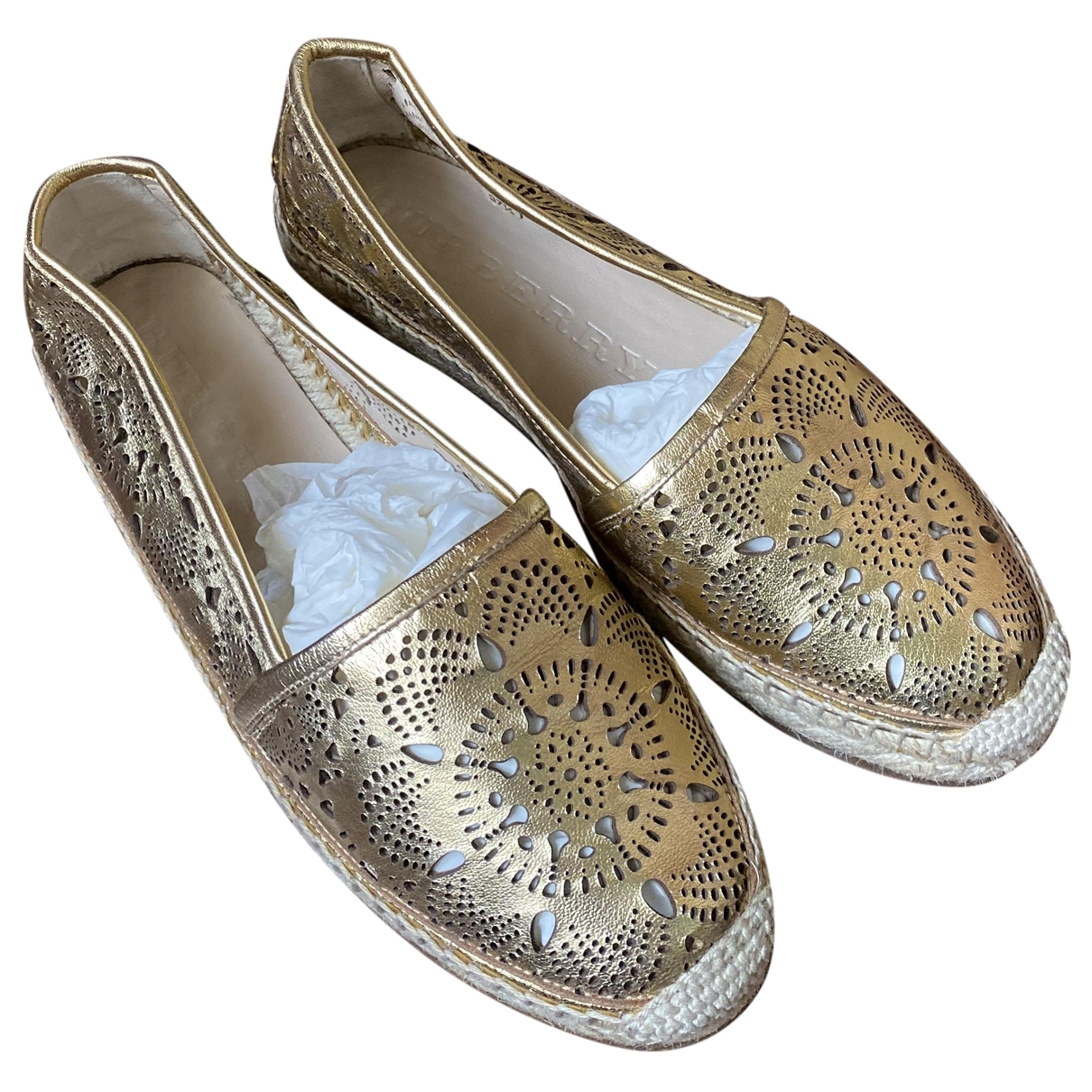 Burberry \N Espadrilles in  Gold Leder