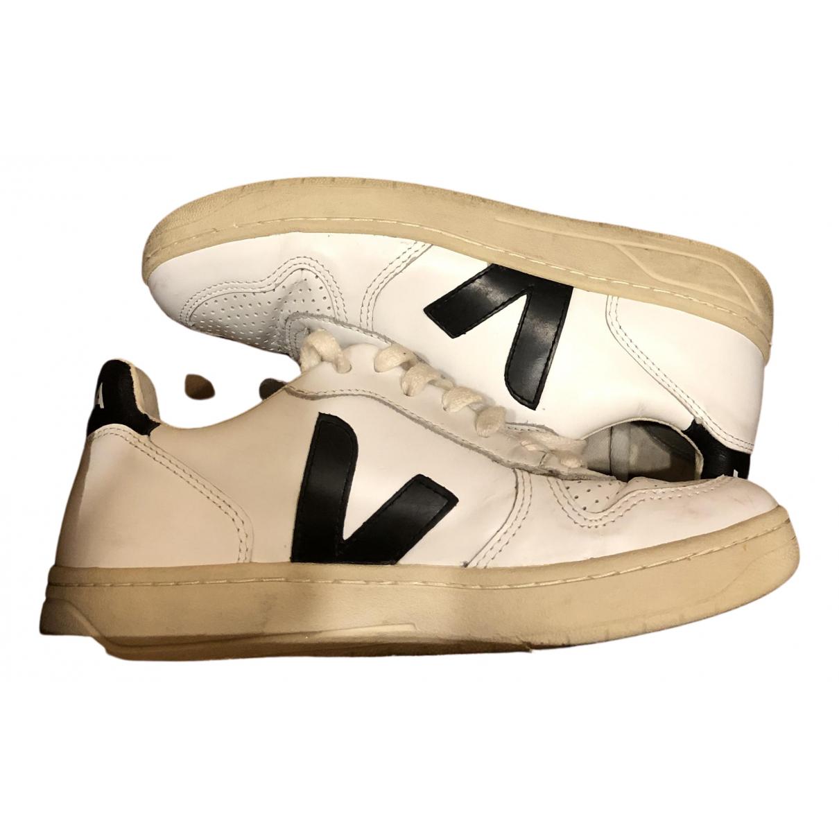 Veja \N Sneakers in  Weiss Leder