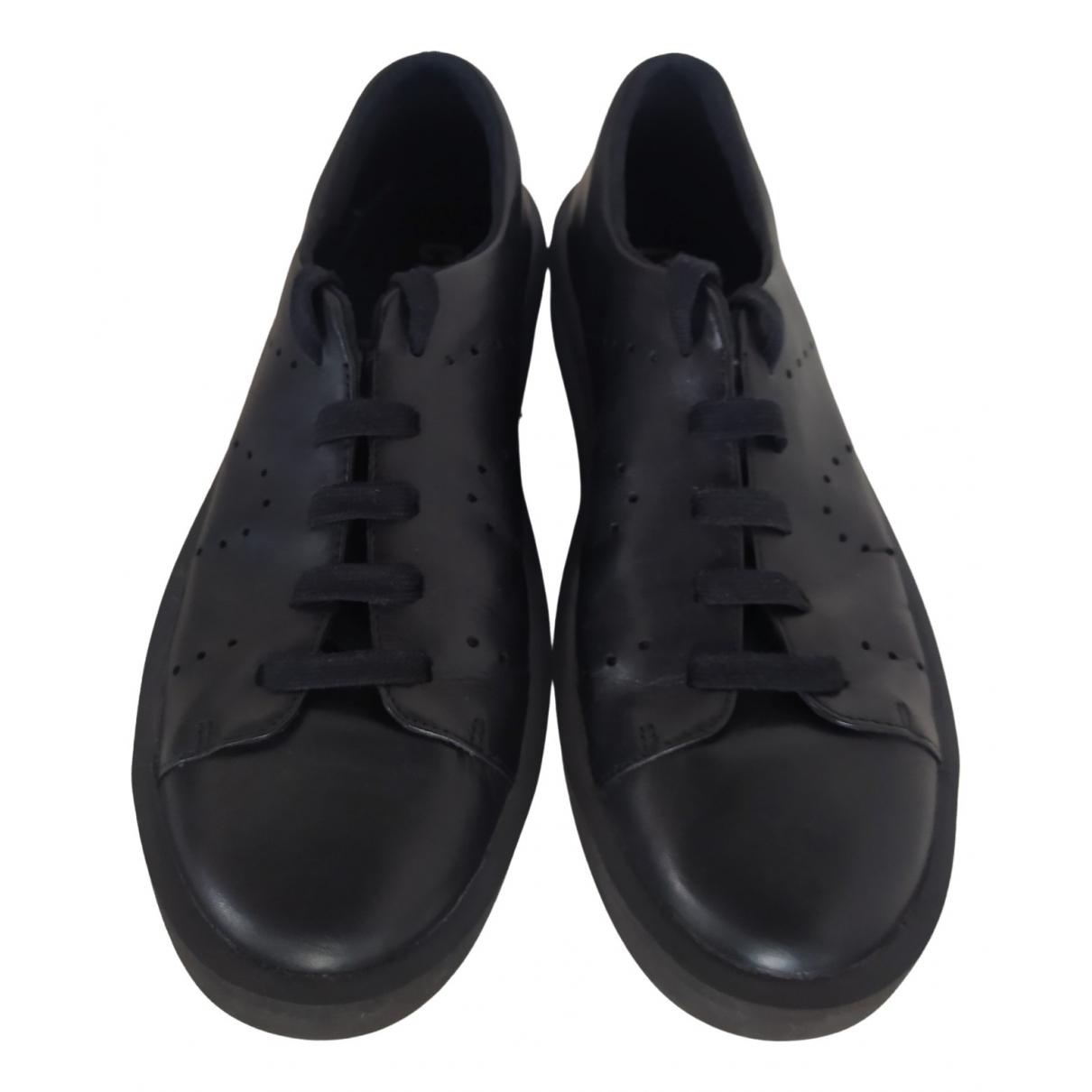 Camper \N Sneakers in  Schwarz Leder