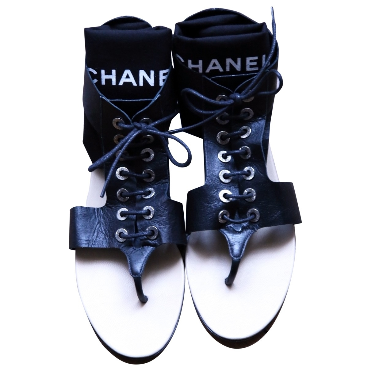 Chanel \N Black Leather Sandals for Women 37.5 EU