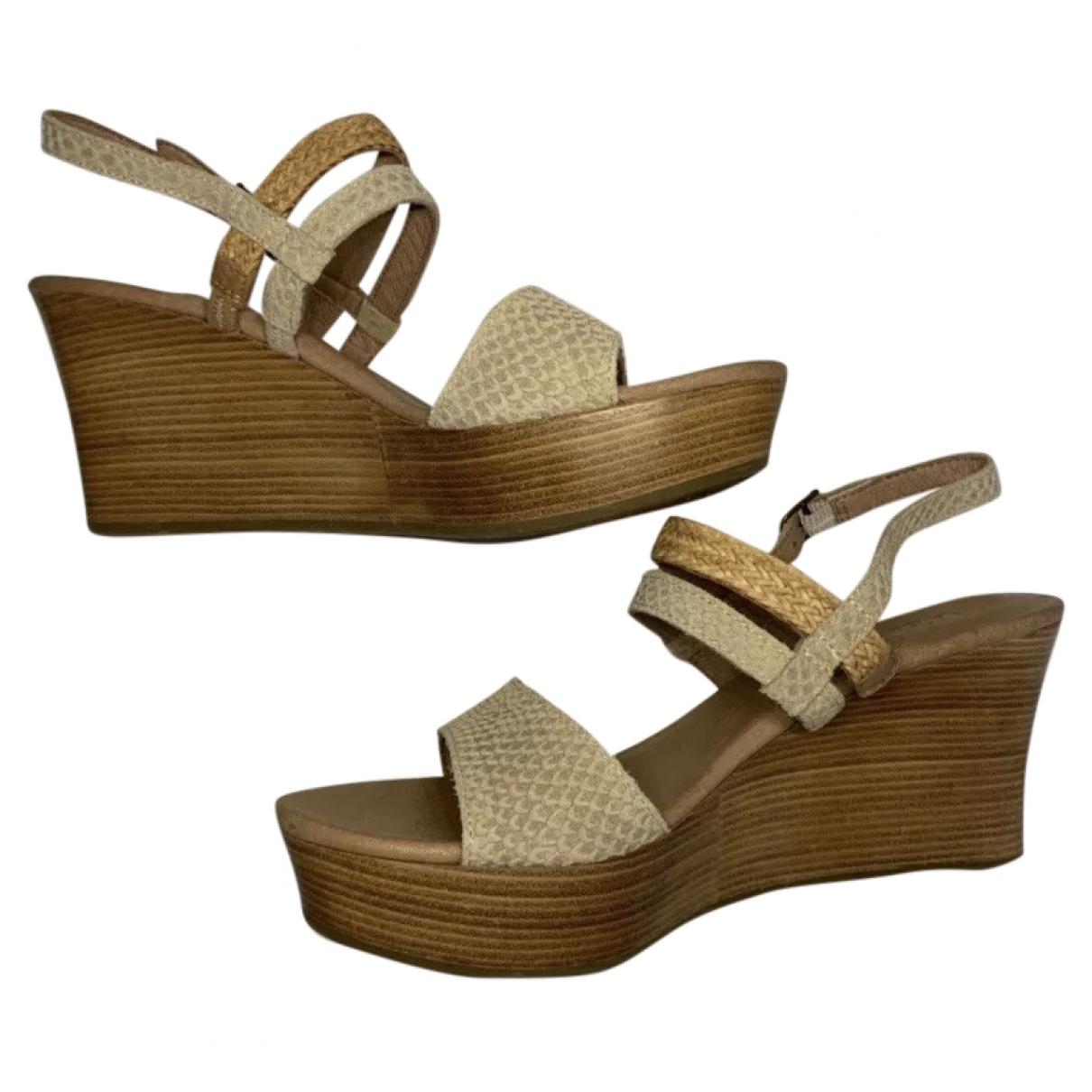 Ugg - Sandales   pour femme en cuir - beige