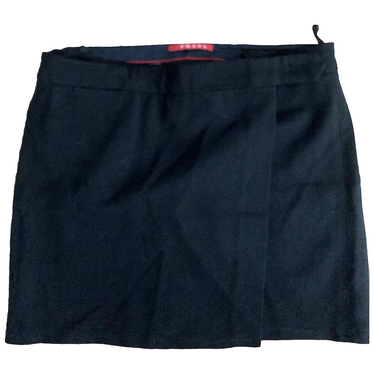 Mini falda de Lana Prada