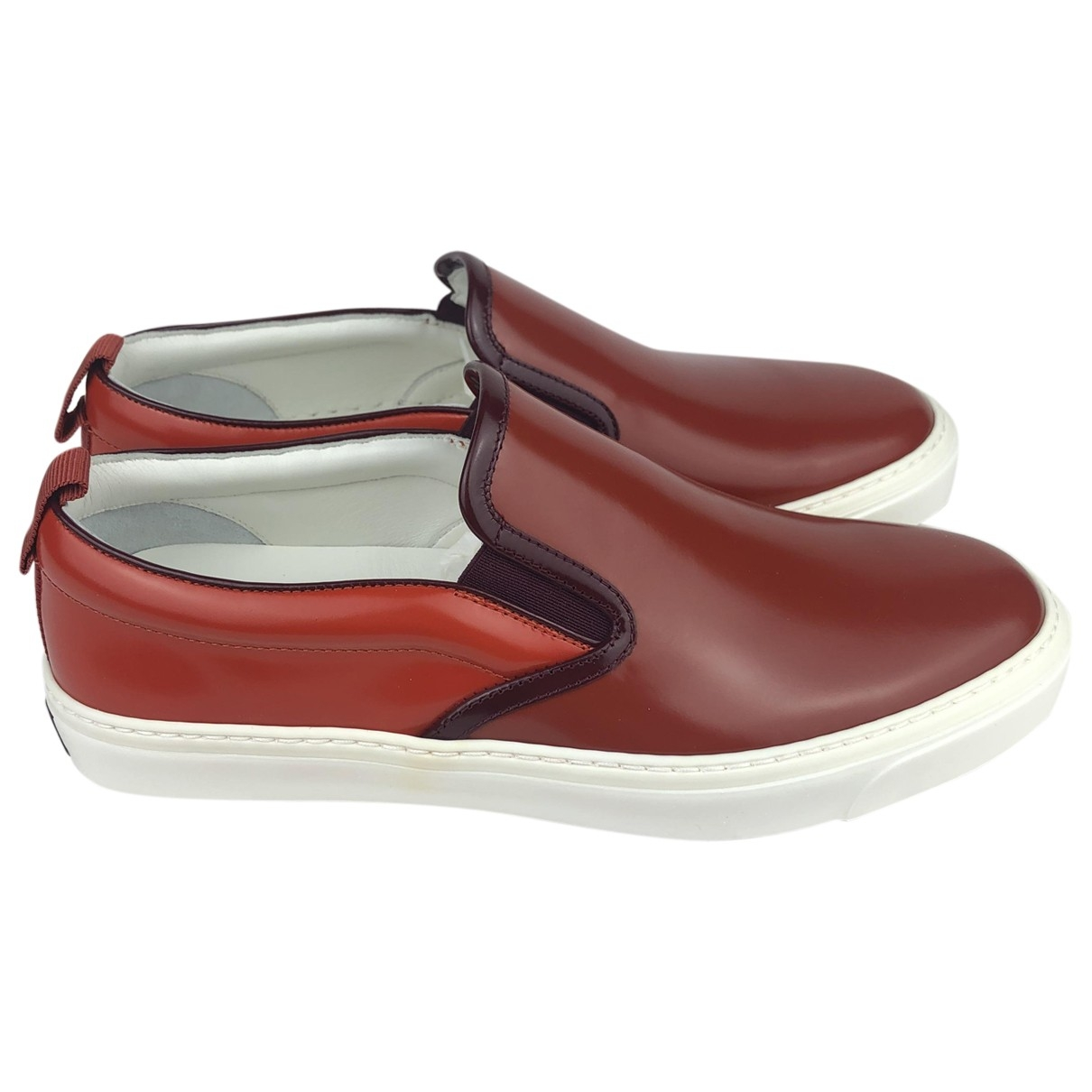 Gucci \N Sneakers in  Rot Lackleder