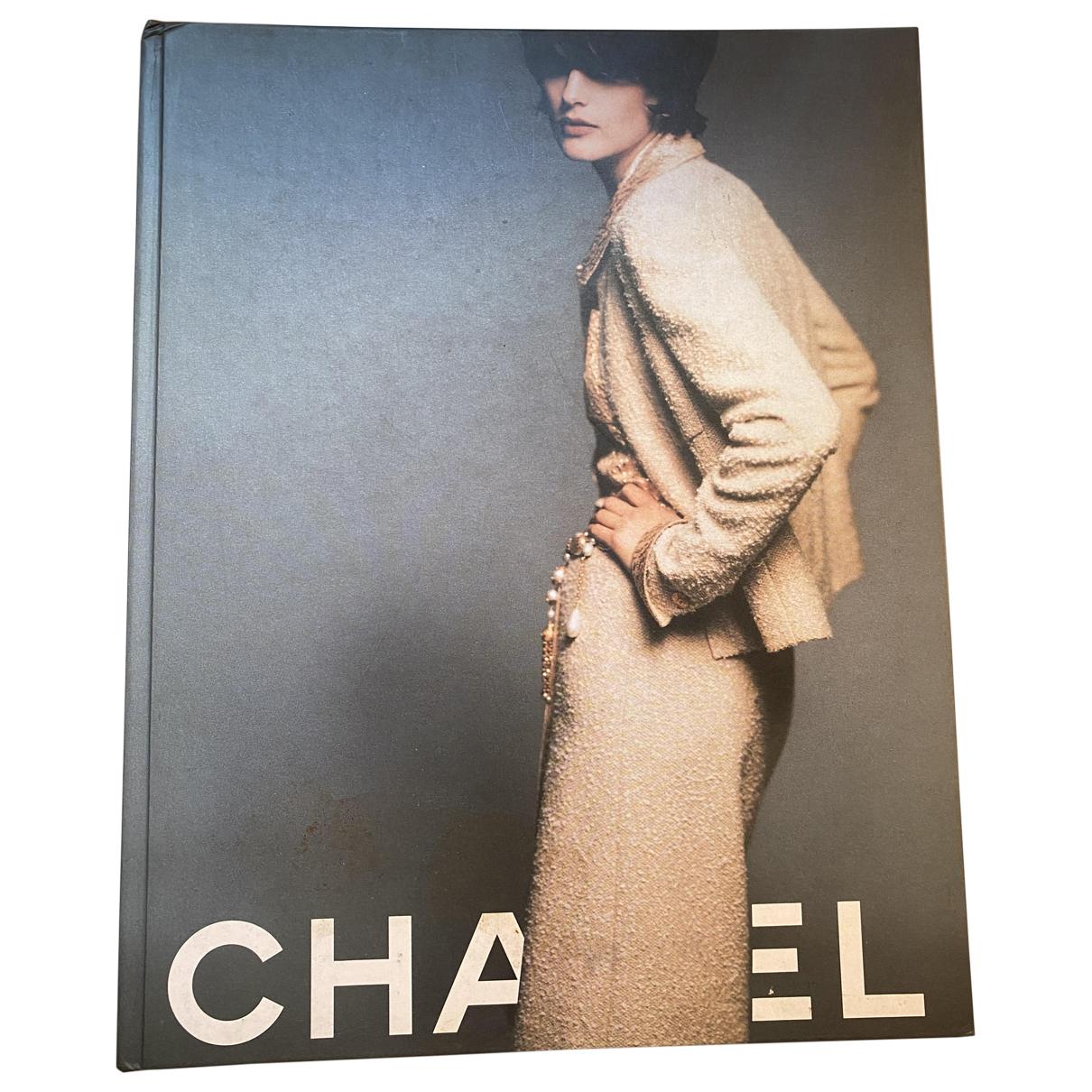 Chanel - Mode   pour lifestyle en autre - multicolore