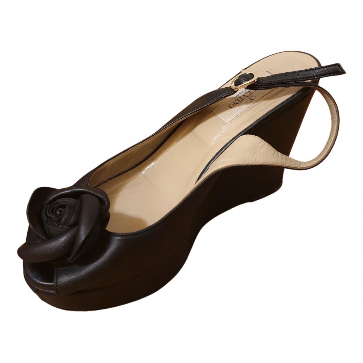 Valentino Garavani N Black Leather Sandals for Women 37 IT