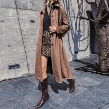Mantel mit Karo Muster, Knopfen und gebogenem Saum