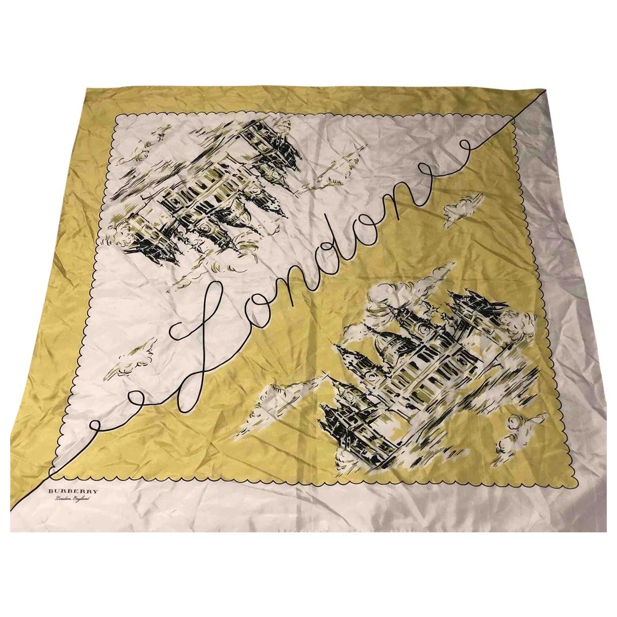 Burberry \N Schal in  Gelb Seide