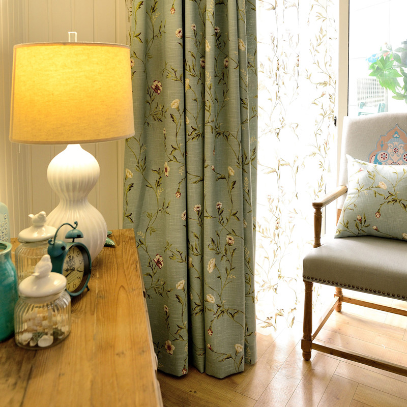 Royal Style Polyester Material Decorative Feature Jacquard Technics Curtain Sets