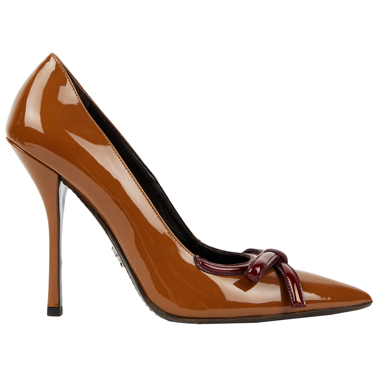 Prada \N Pumps in  Braun Lackleder