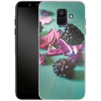 Samsung Galaxy A6 Silikon Handyhuelle - Stills Flowers Fruit von Joy StClaire